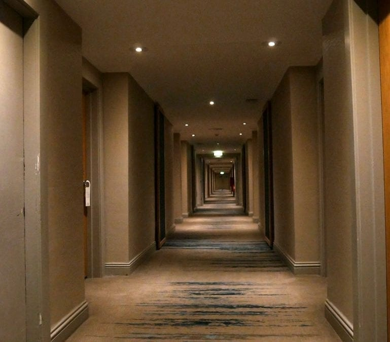 Hotel corridor carpet cleaning in Bristol